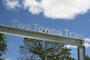 Entrance sign Two Towns Trail